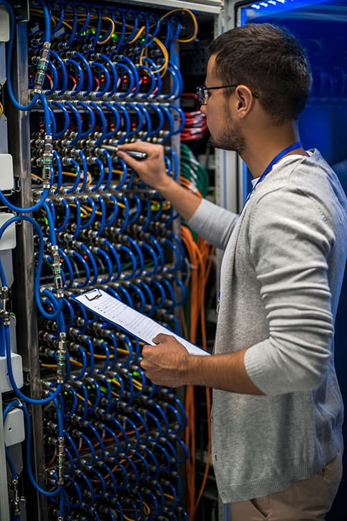 it-professional-working-with-servers-6LYBP4W500px